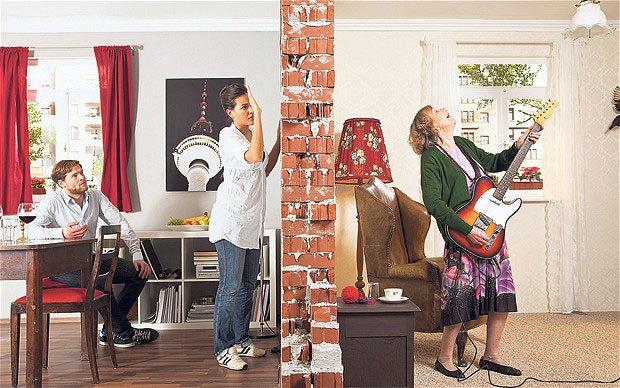 Что делать с шумными квартирантами по закону?