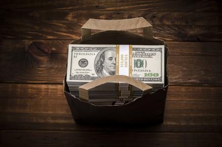 Кому и как платить кредит, если у банка отозвали лицензию?