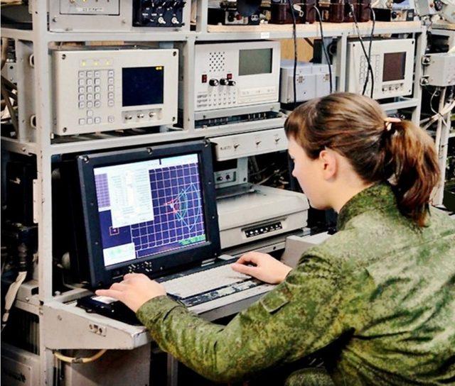 Входит ли в северный стаж срочная служба в армии в районе Крайнего Севера?