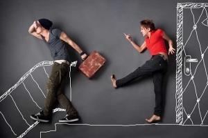 Как выписать мужа из квартиры, если жена собственник?
