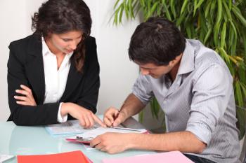Должна ли гражданская жена оплачивать долги сожителя?