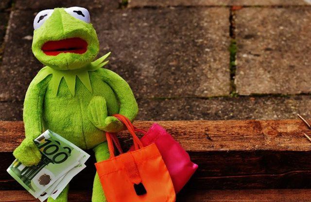 Как вернуть деньги, если товар не нужен, по законам?