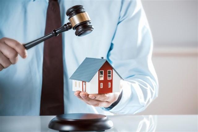 Могут ли приставы выселить из квартиры за долг?