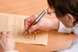 Можно ли оспорить завещание после смерти завещателя? Как оспорить завещание на наследство?