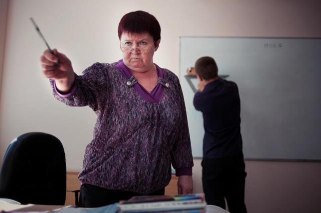 Жалоба на учителя школы в 2021 году: как правильно написать, куда обратиться, образец