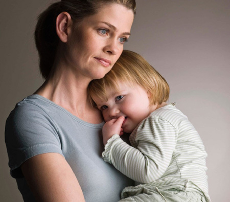 Малоимущая мать-одиночка: выплаты, пособия и льготы.