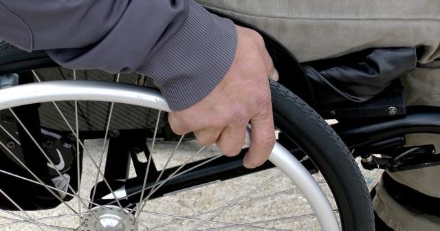 Что такое парковочное разрешение? Кто может парковаться на парковке для инвалидов в 2021 году в Москве?