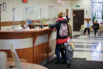 Можно ли приватизировать квартиру на несовершеннолетнего ребенка: как это сделать, участвуют ли дети до 14 и до 18 лет в приватизации жилого помещения?
