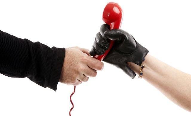 Имеют ли право коллекторы приходить домой к должнику и описывать имущество