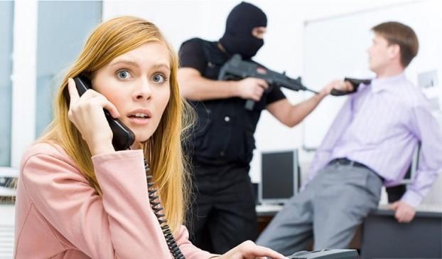 Что делать, если угрожают коллекторы семье и родственникам