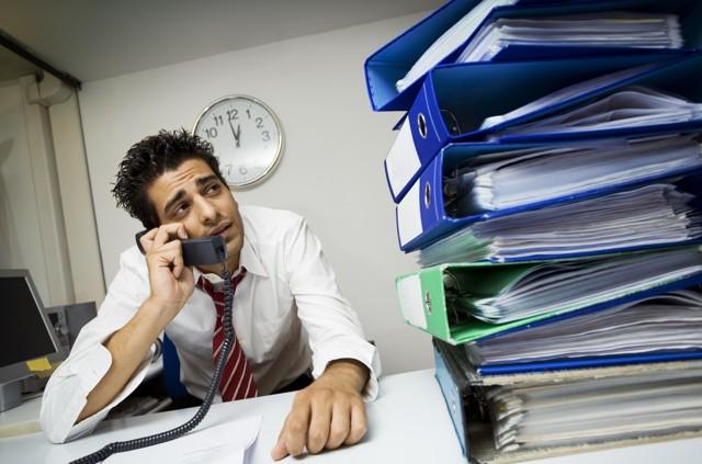 Куда обратиться с жалобой на работодателя: как написать и кому можно подать заявление в инстанции?