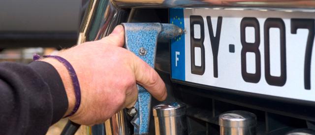Регистрация автомобиля в ГИБДД по доверенности