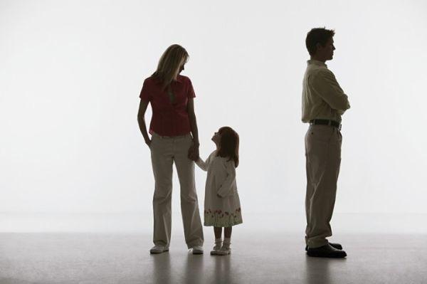 Исковое заявление о расторжении брака, взыскании алиментов и определении места жительства ребенка (образец)