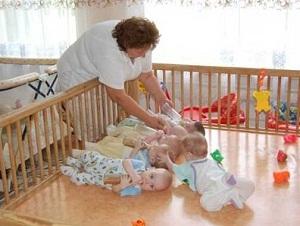Как усыновить ребенка из роддома: пошаговая инструкция