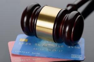 Сколько могут снимать приставы с зарплатной карты - имеют ли право снять 100%: Что делать, если судебные исполнители арестовали (заблокировали) счет
