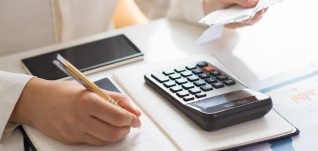 Дарение квартиры 2021: порядок, налог, близкие родственники