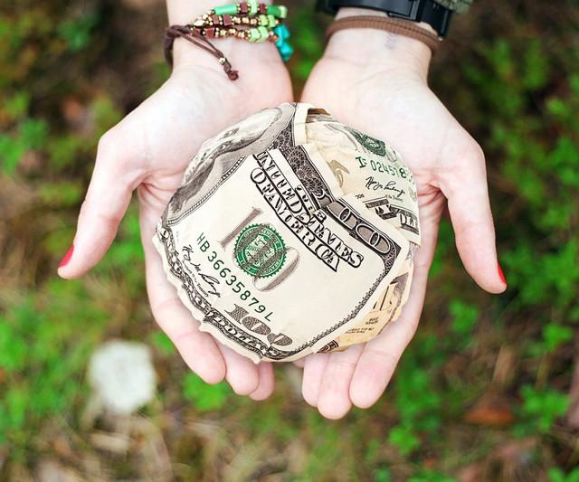 Заговор на возврат долга: как читать сильные ритуалы белой магии на быстрый возврат денег