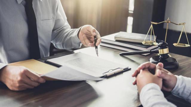 Уведомление о расторжении срочного трудового договора: образец заполнения 2021