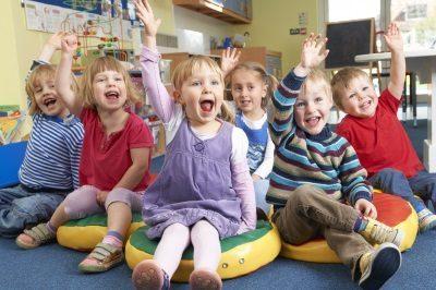 Устроить ребенка в сад без прописки: как определить в какой и можно ли по временной регистрации?