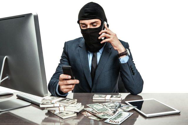 Кража денег из кассы: статья и последствия