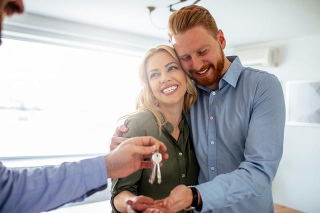 Делится ли дарственная квартира и совместно нажитое имущество при разводе